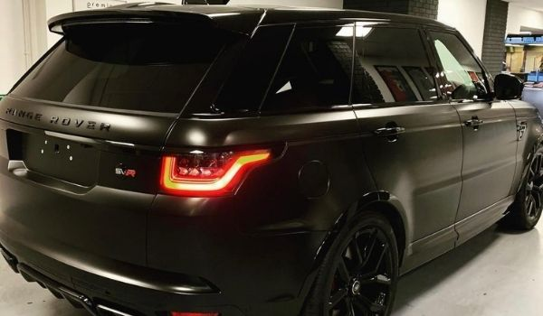 One Source Media completes the installation of a vinyl wrap on a 2018 Range Rover