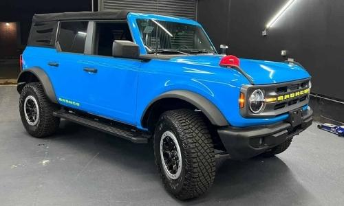 One Source Media in Queens NYC installs  truck wrap on a 2021 Ford Bronco