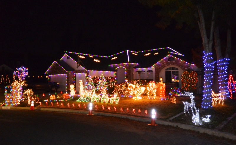 """This Holiday Season, Candy Cane Lane is the """"Favorite Street of the Year"""""""