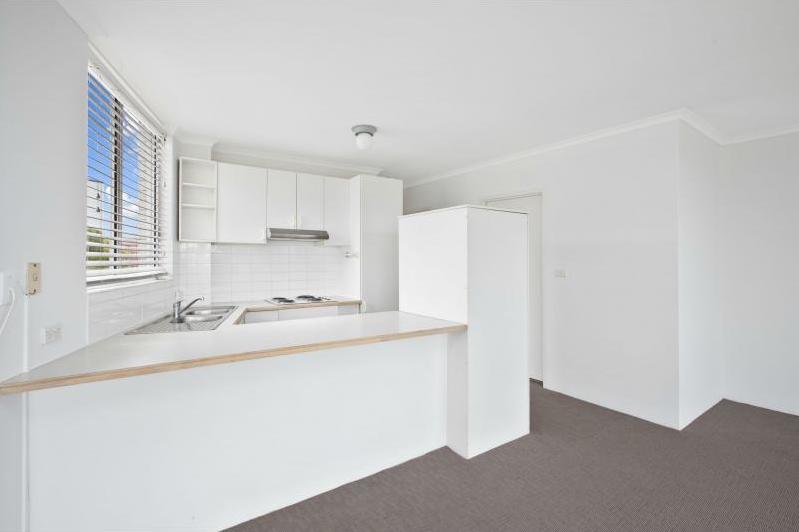 Bronte NSW kitchen renovation by Blue Tea Kitchens & Bathrooms - before picture