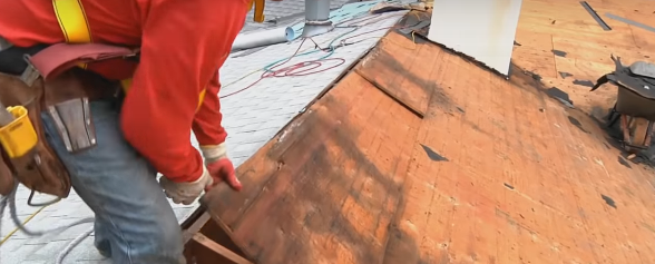 Towson Roofing Pros replaces skylights in Baltimore