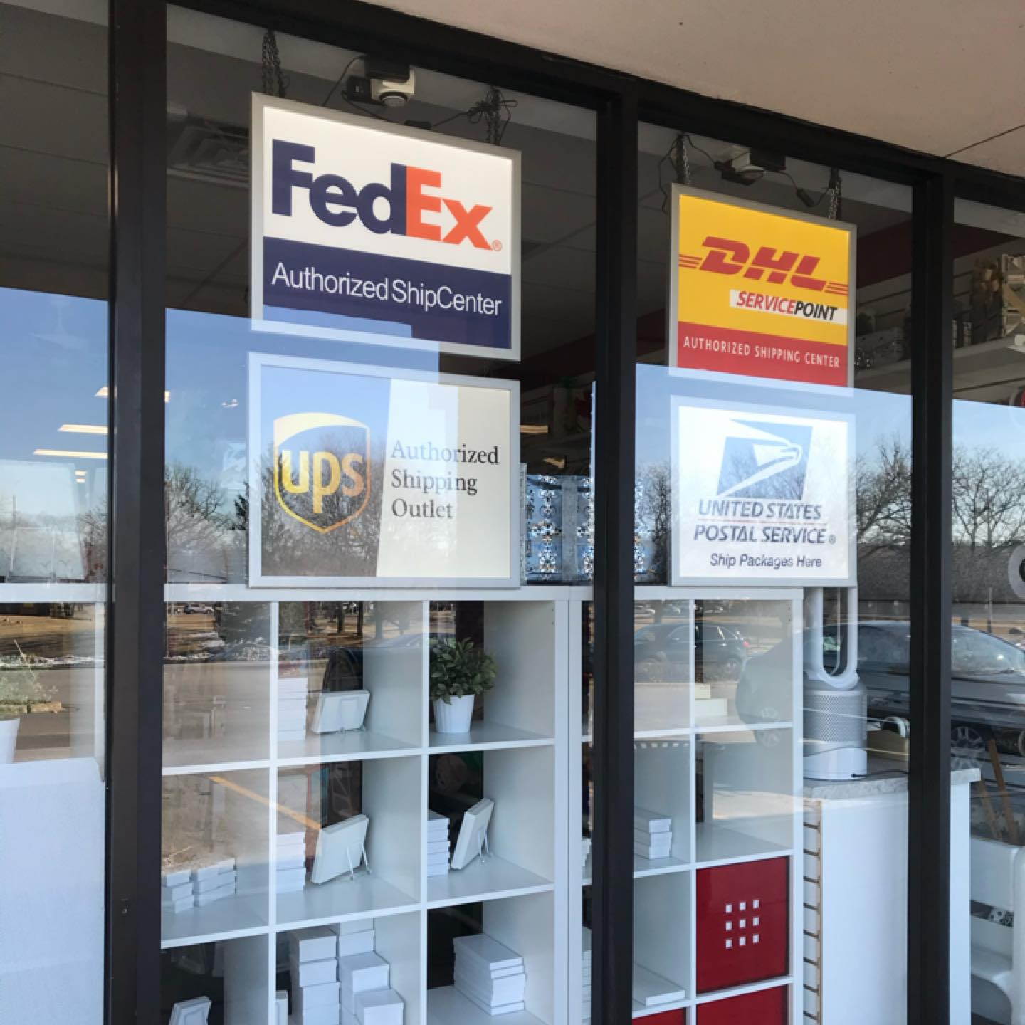 International Shipping Store in Naperville, IL
